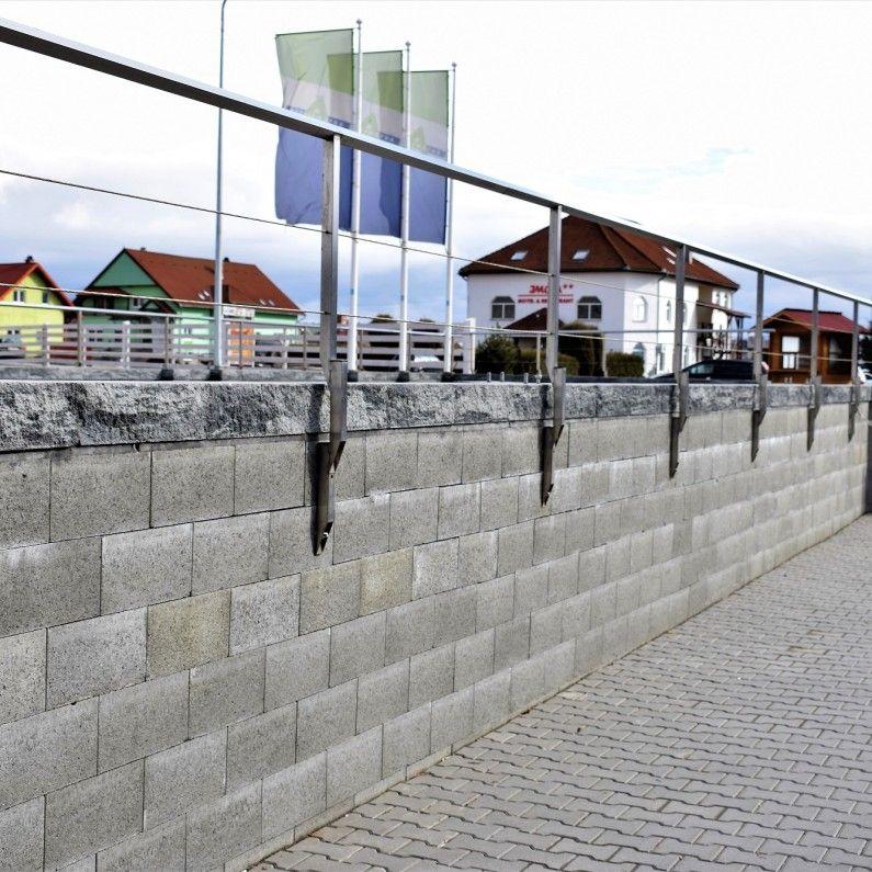 Ziduri-Garduri Viastein
